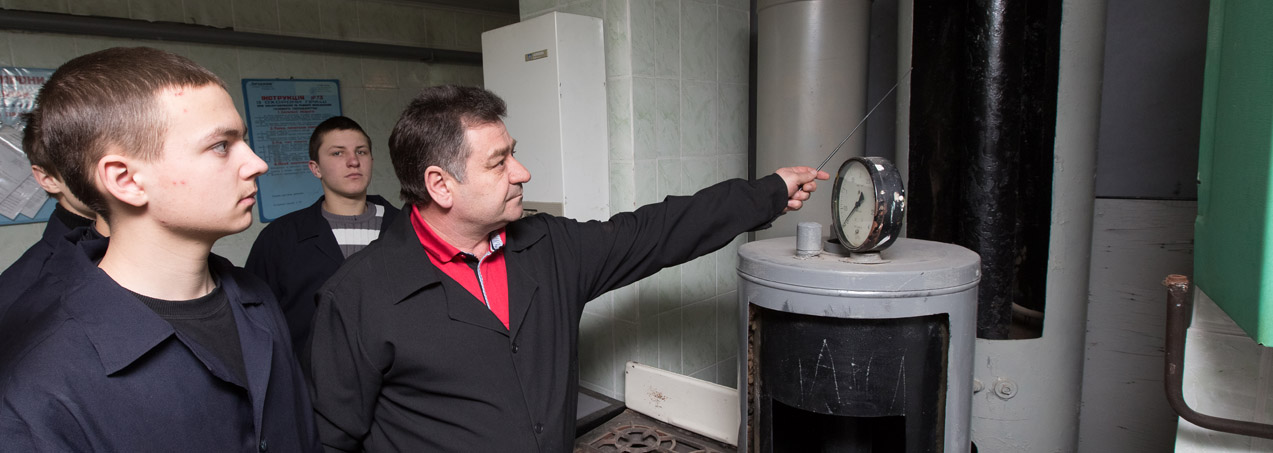 Слюсар з експлуатації та ремонту газового устаткування; електрозварник ручного зварювання